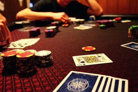 Draw Poker, de la clasic la ″aventuros″