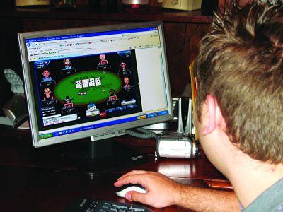 VESTE ŞOC: On-line-ul şi turneele de poker – liber la joc…, dar şi la taxat