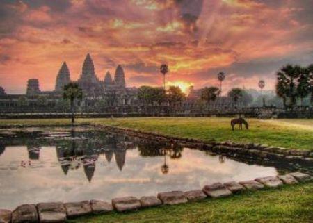 Casino resort gigantic, în Cambodgia