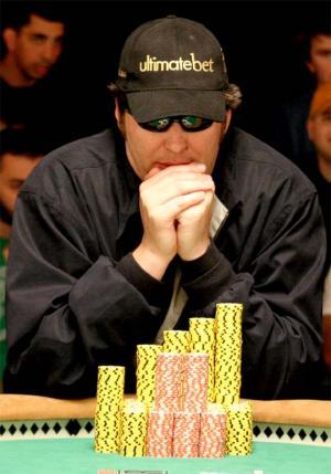 Phil Hellmuth Jr. isi bate propriul record  castigand a 12-a bratara la un eveniment WSOP