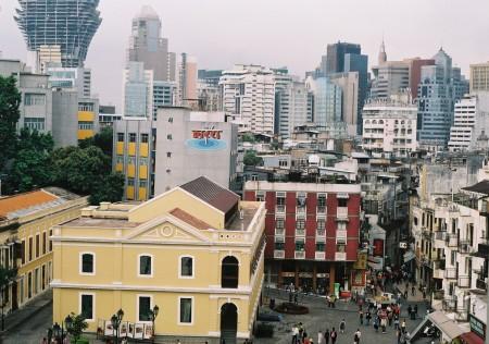 Poliția din Macau face raiduri în cazinouri