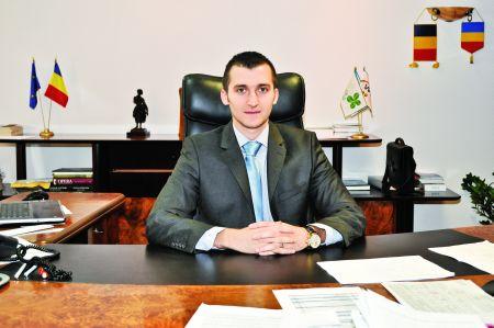 DAN GHIȚĂ, Președinte Loteria Română, TINEREȚE ȘI PROFESIONALISM