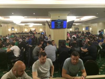 S-a dat startul Main Event-ului Pokerfest National! Jucatori de top ai pokerului romanesc s-au inregistrat in turneu.
