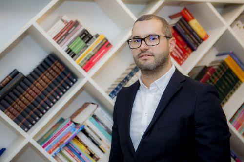 """Dragoș Costache: """"Apulum '94 ţine pasul cu evoluţia pieţei imobiliare"""""""