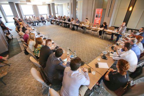 (Română) MASA ROTUNDA PRIVIND PROBLEMELE ACTUALE DIN GAMBLINGUL ROMANESC A AVUT SUCCESUL ASTEPTAT