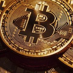 Bitcoin – money or investment?