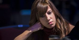 Kristen Bicknell, un terminator cu chip drăgălaș în poker