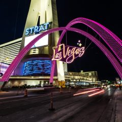Gateway Arches – noul obiectiv turistic care luminează centrul orașului Las Vegas