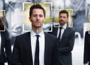 Digitalizarea procesului de identificare a persoanelor utilizând mijloace video la distanță.